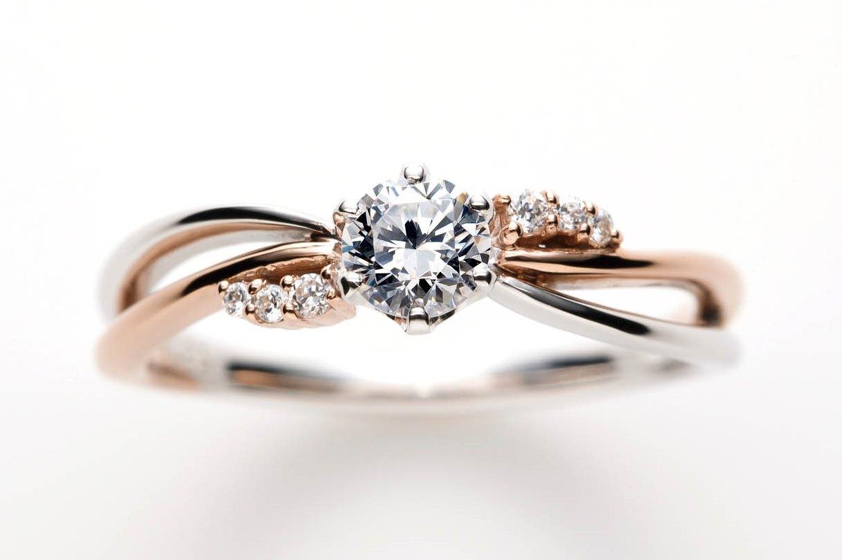 プティビズ婚約指輪